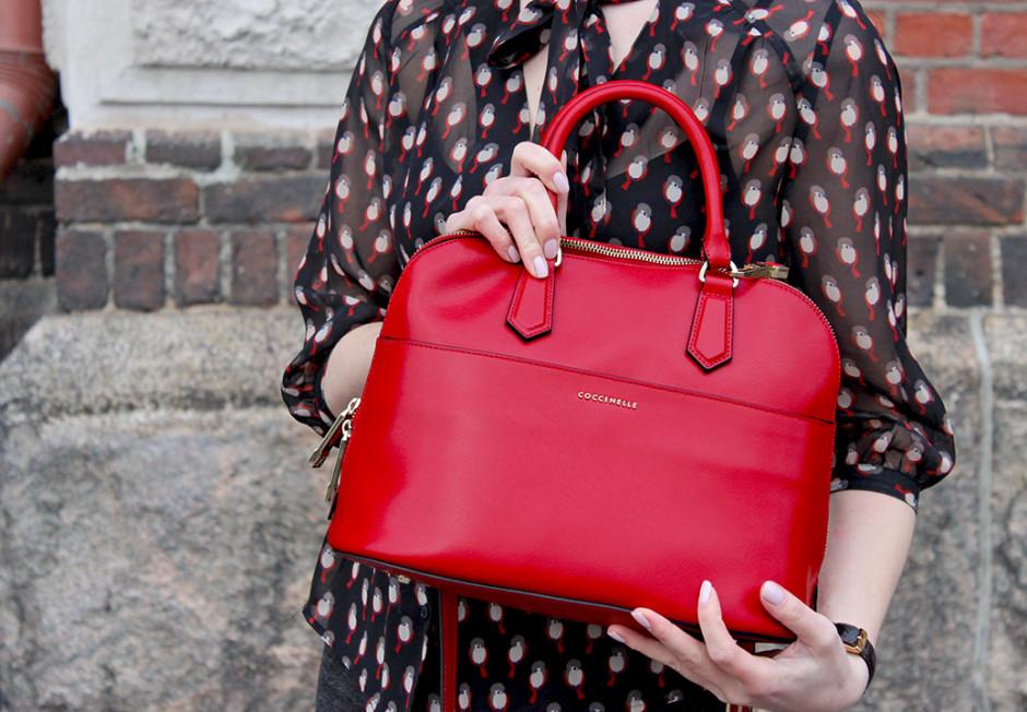 Punainen Chanel Laukku : No sit? punaista secret wardrobe