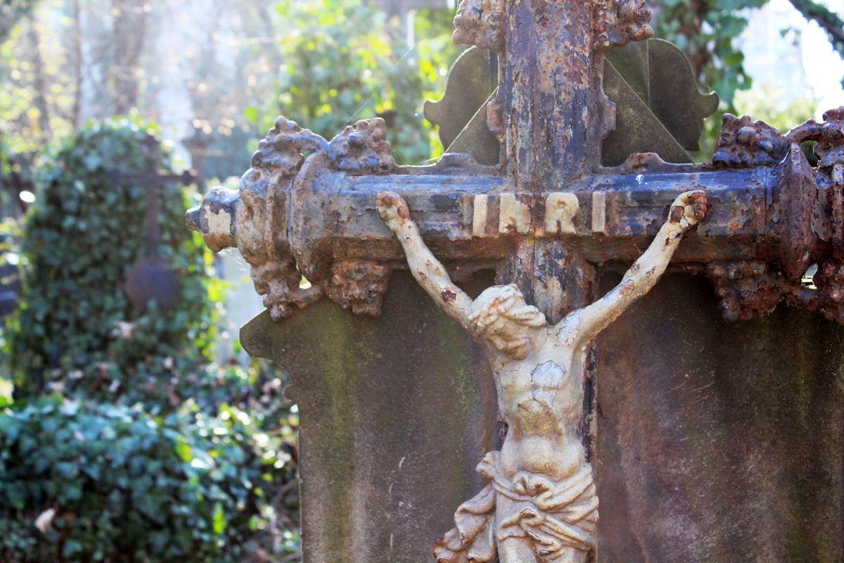 Olsany-Cemetery-1