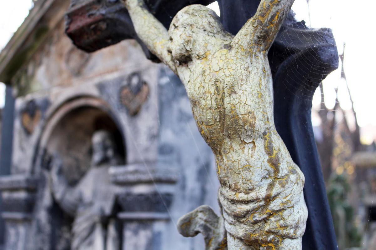 Olsany-Cemetery-4