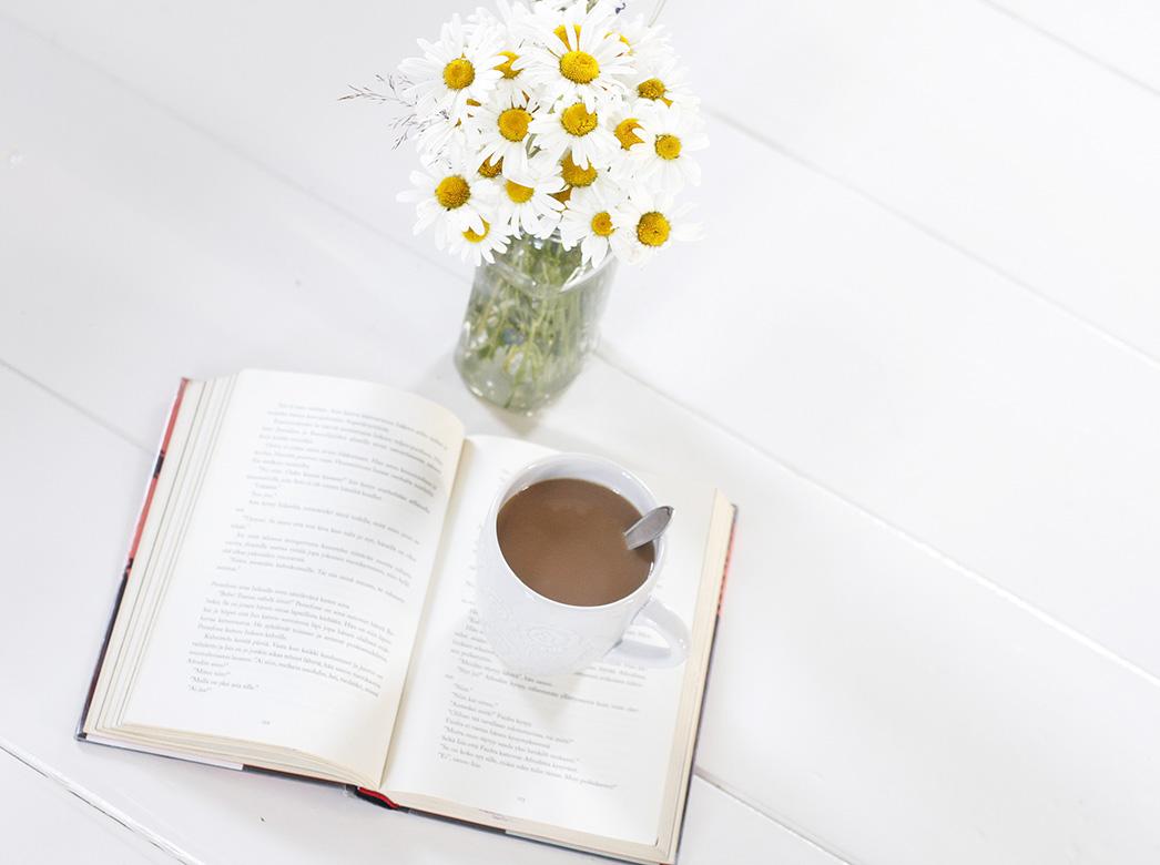 kirja ja kahvi 3