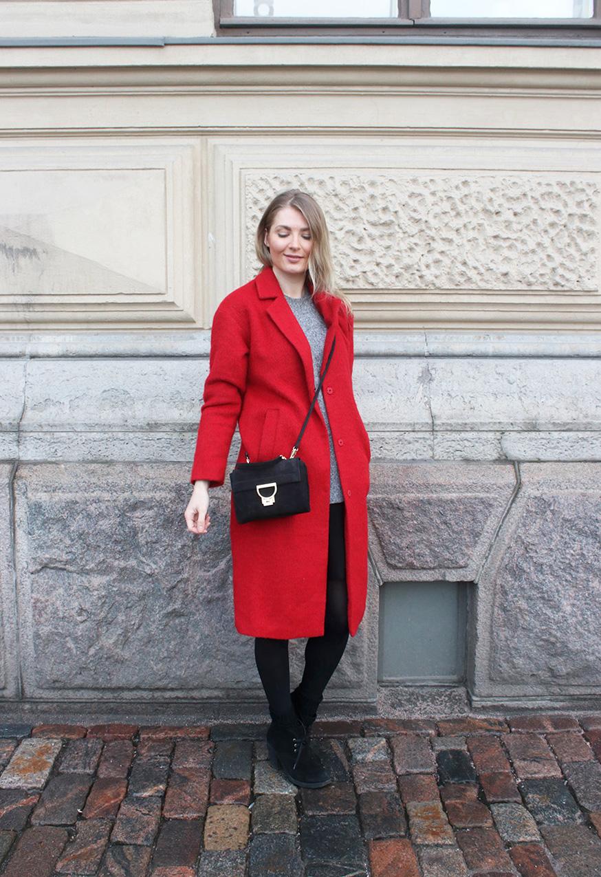 Punainen takki  61af7f58f3